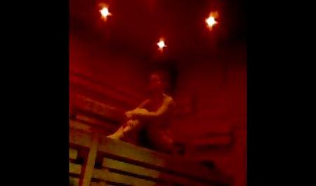 தனியா ஜோடி ஆதிக்கம் உள்ள ஒரு செக்ஸ் ஒரு அழகான பெண் கல்லறையில்