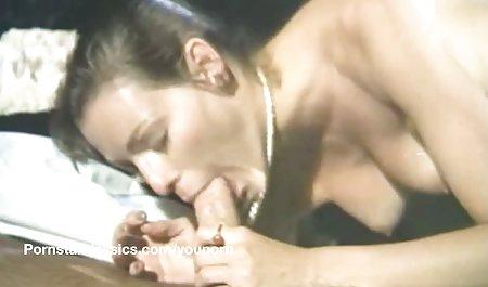 Alaina Kristar மாற்றும் அறையில் டீன் மறைக்கப்பட்ட கேமரா - அழகான porno pervs